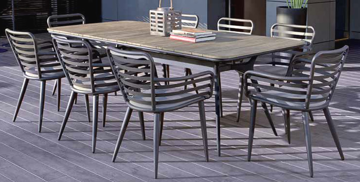 Raung Garden Dining Table and Chairs