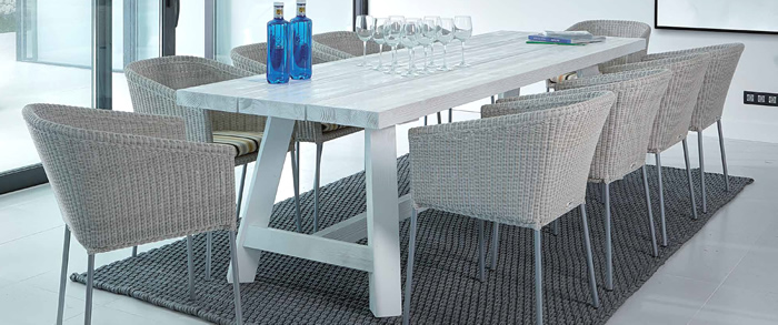Ruselia Garden Dining Table and Chairs
